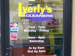 Storefront business vinyl lettering