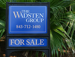 Example of Custom Advertising Signs for Real Estate