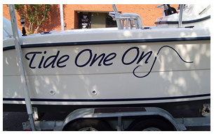 picture of vinyl boat lettering