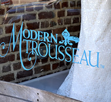Window lettering for Modern Trousseau