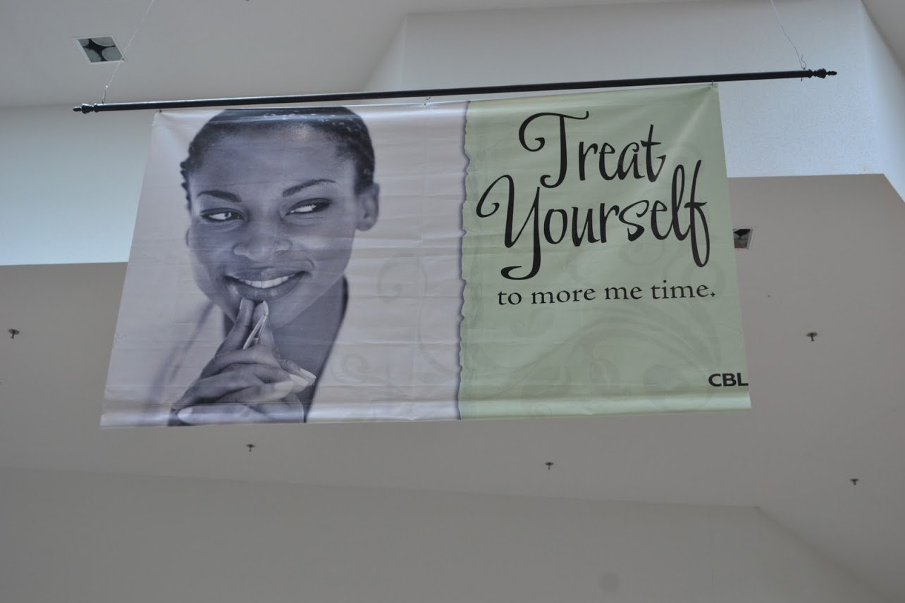 Example of a color vinyl banner