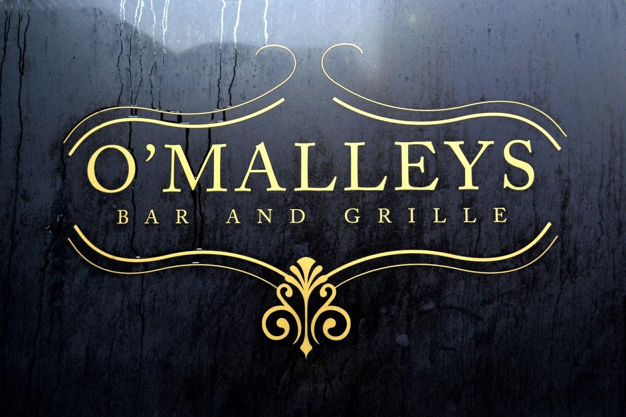 Restaurant and bar vinyl lettering